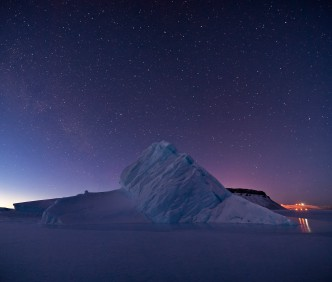 Iceberg_in_North_Star_Bay,_Greenland
